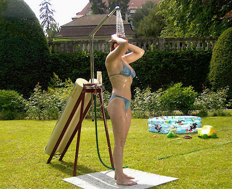 http://spain.solarshower.ch/images/solar-fizz-enjoyment.jpg